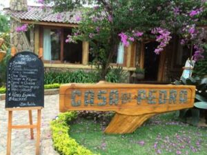 Faixada do restaurante Casa di pedra