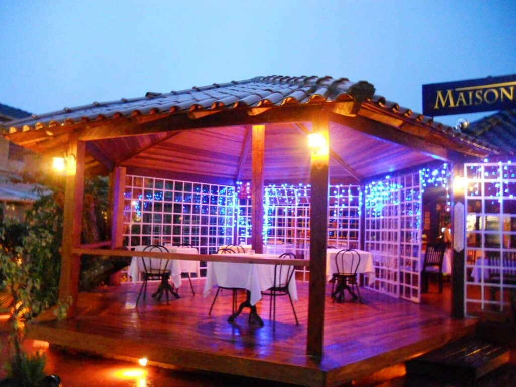 Deck do Restaurante de fondue em Visconde de Mauá