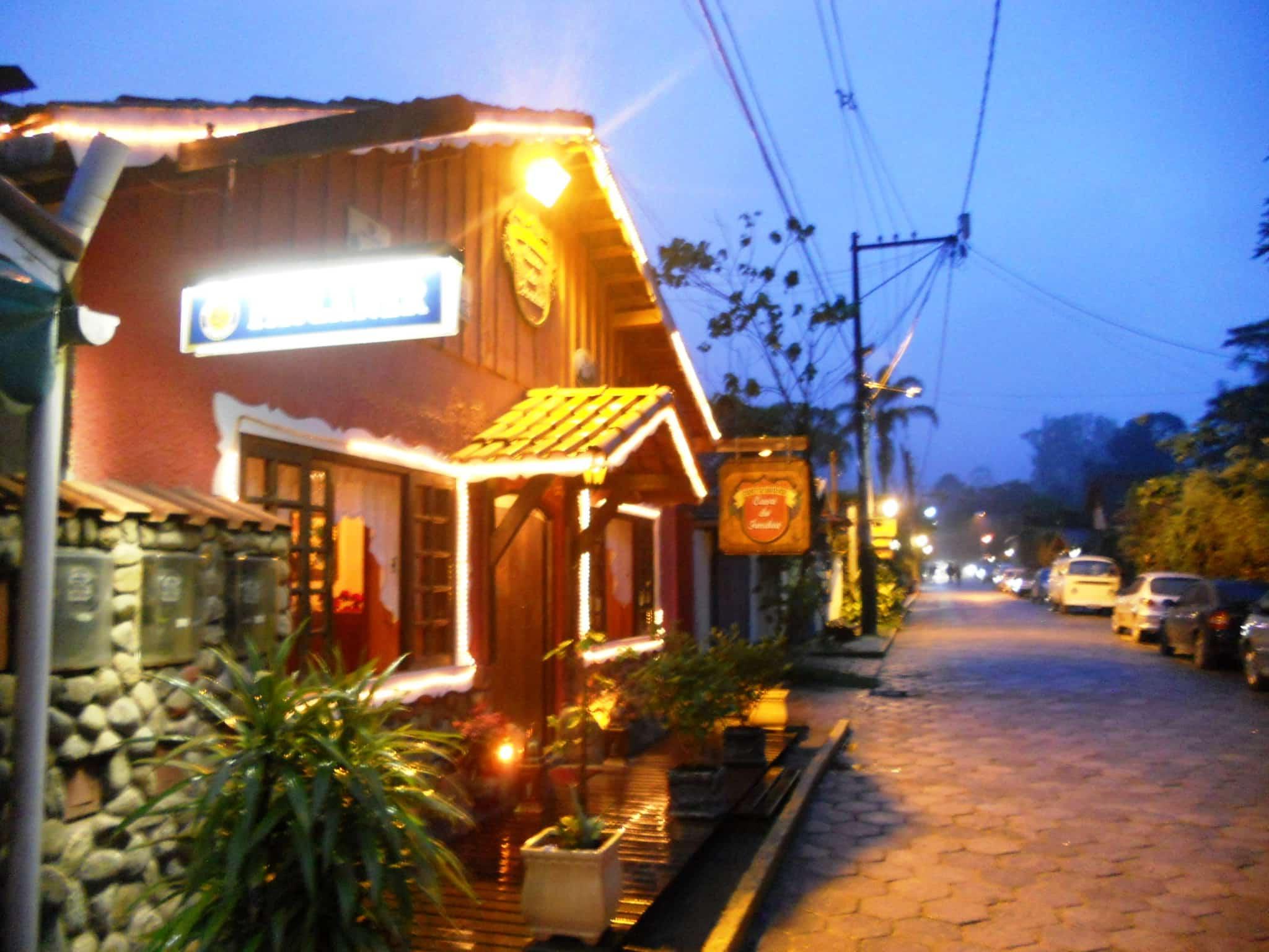 Vista externa do Restaurante de Fondue