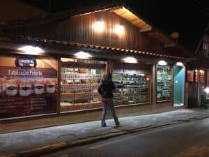 Lojas da vila de Maringá