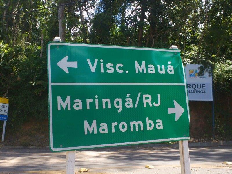 Placa sinalizando as vilas de Visconde de Mauá