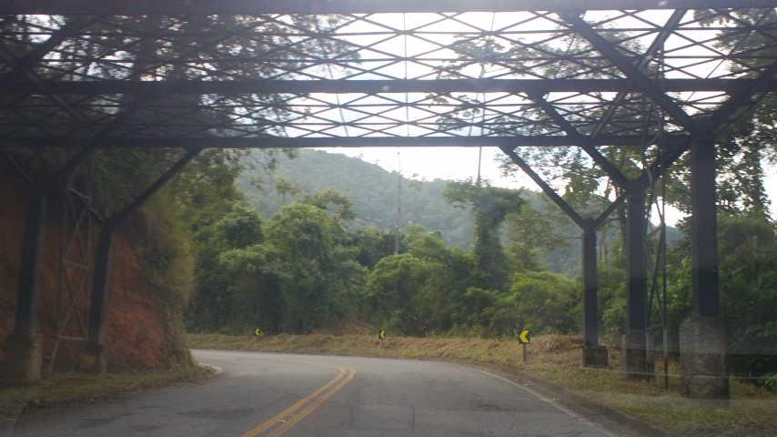 Acesso de animais na estrada em Visconde de Mauá