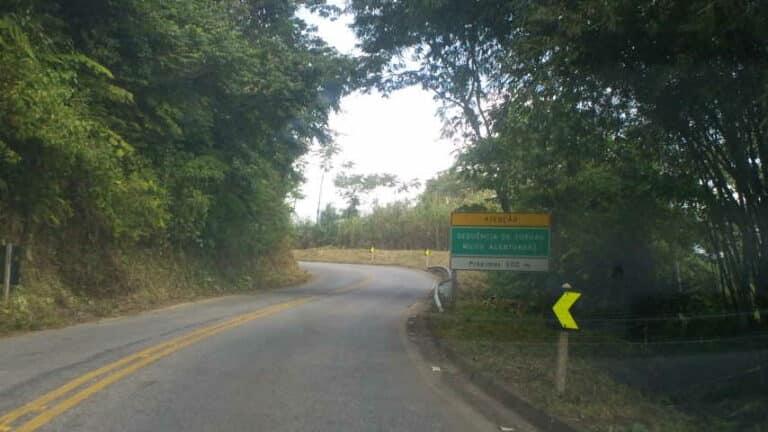 Estrada em asfalto para Visconde de Mauá