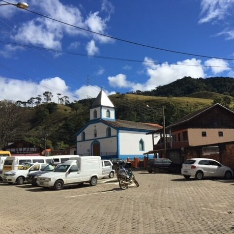 Praça e Igreja da Vila da Maromba em Visconde de Maua