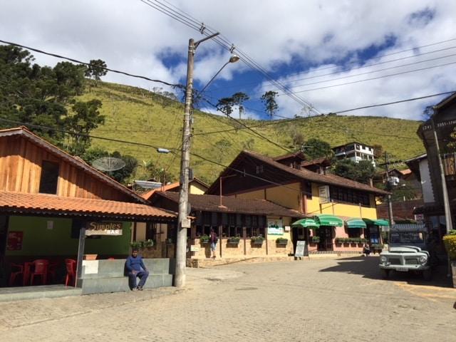 Praça da Maromba e suas casinhas de alvanaria
